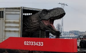 jurassic world fallen kingdom thames stunt