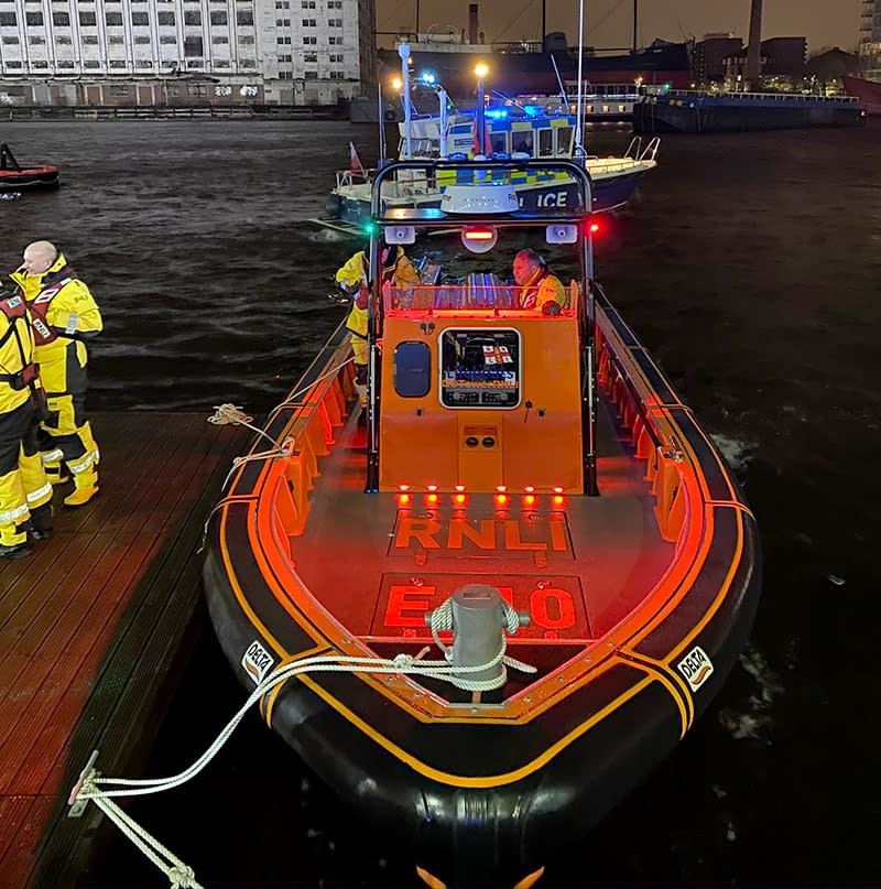 rnli lifeboat filming thames