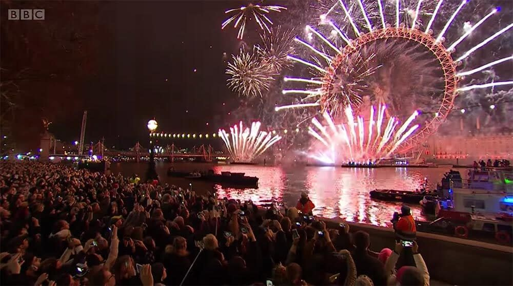 new year's eve 2018 fireworks london river thames