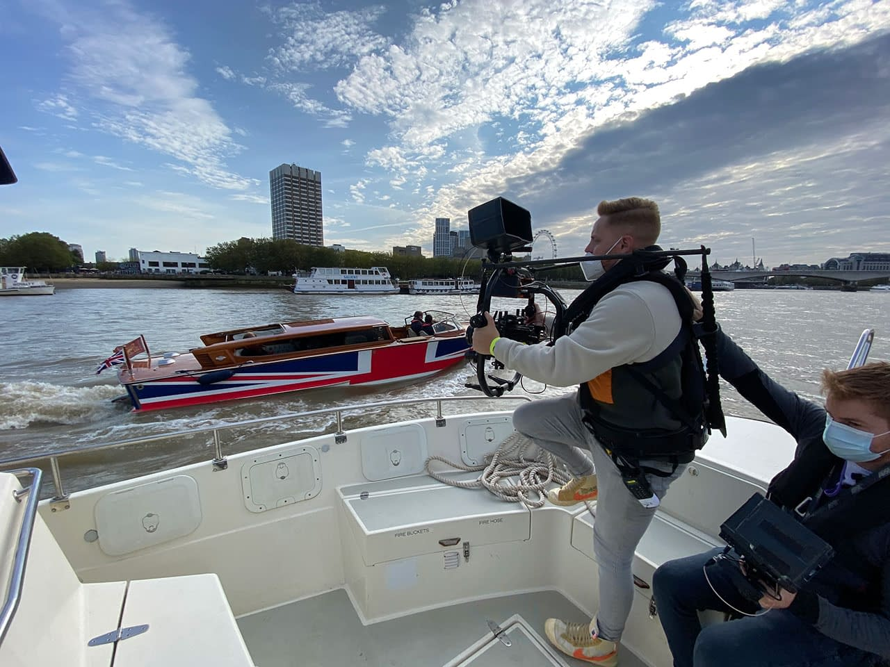 the date filming river thames
