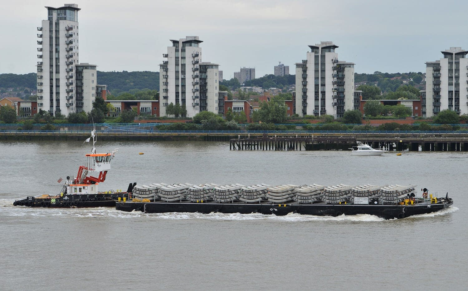 p2 flat top pontoon river thames livett's