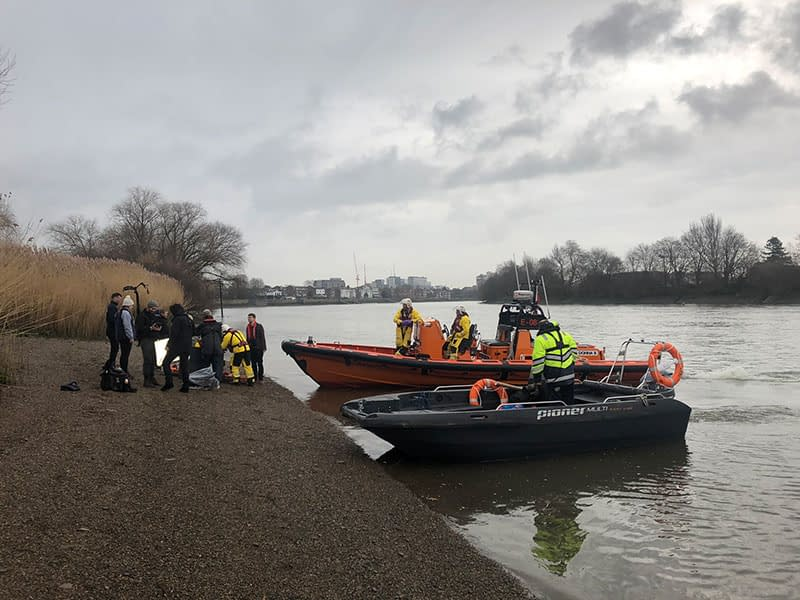 river thames filming rnli chiswick