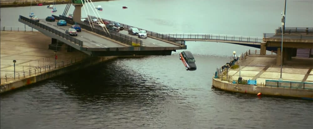 criminal river thames filming cab crash